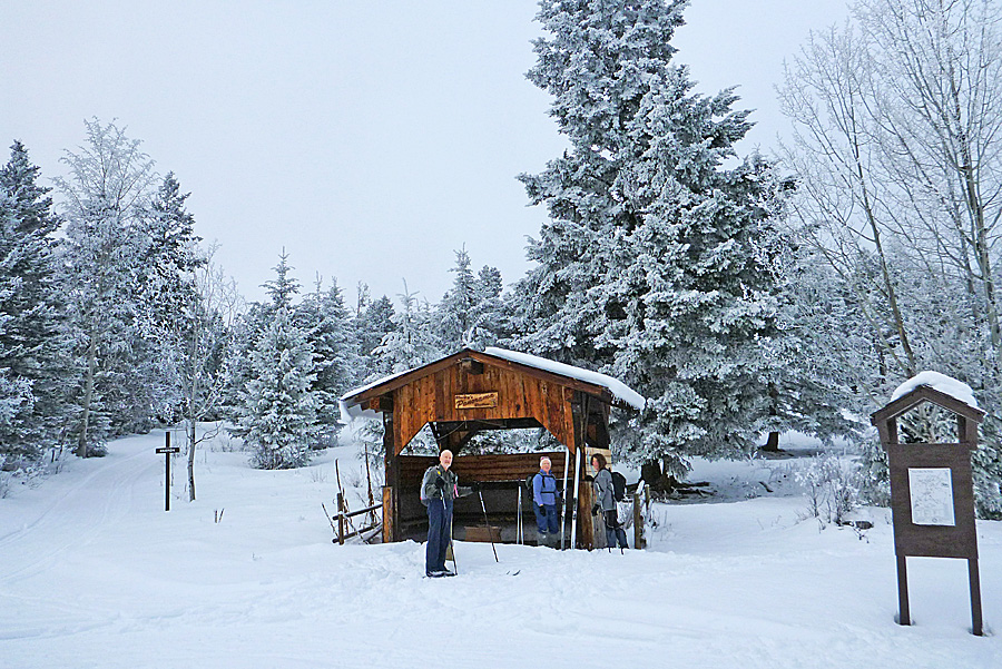 Panorama shelter makes a welcome lunch stop on a frosty day - January 2015. Photo: Alan Burger