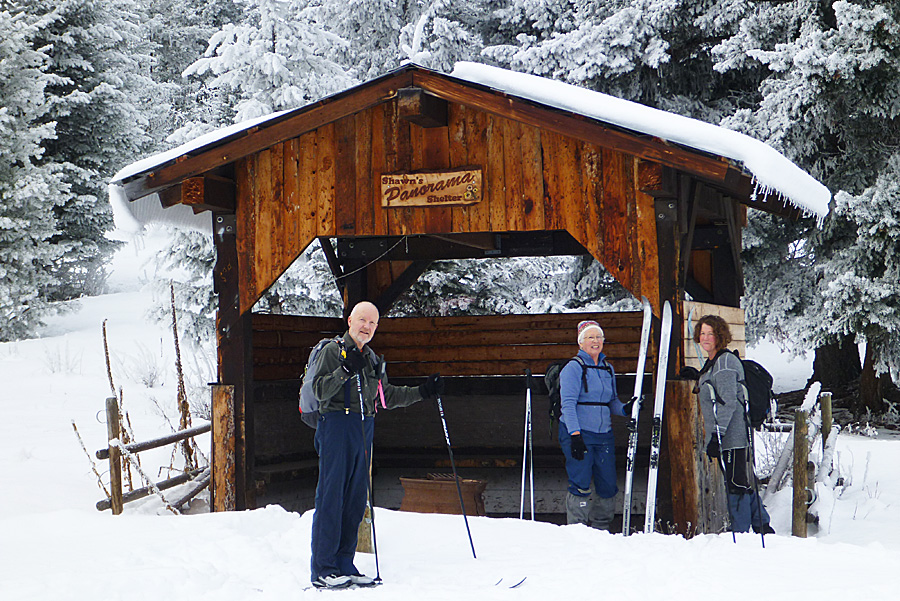 Lunch stop at Panorama shelter - January 2015. Photo: Alan Burger